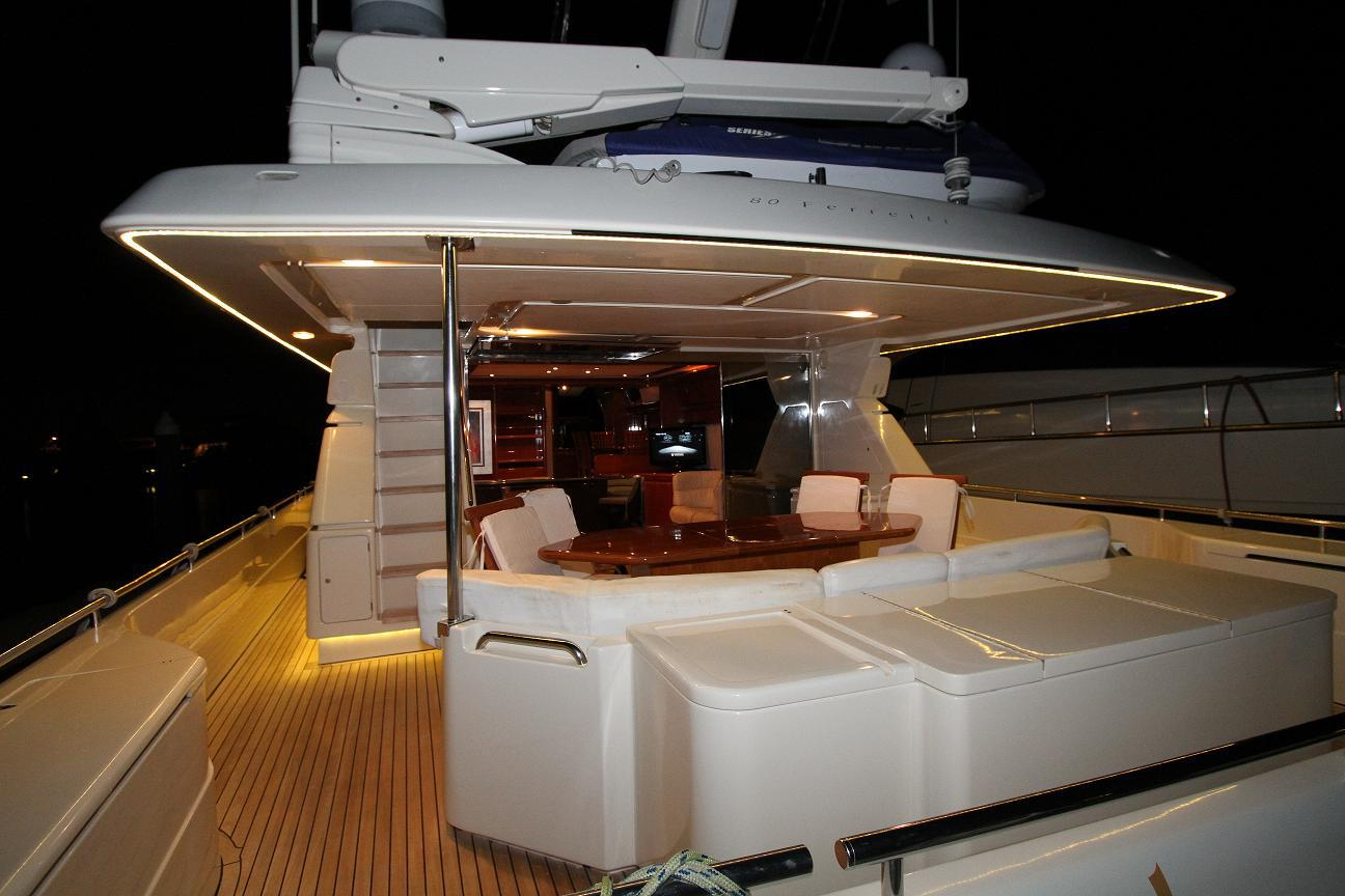 Ferretti 80 Luxury Yacht (1997) For Sale